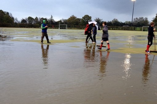 Ladies' 3s on flooded pitch 001