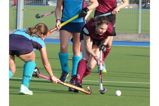 Ladies' 1s v ISCA 020